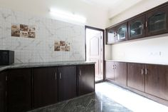 Spacious Kitchen - Get $25 credit with Airbnb if you sign up with this link http://www.airbnb.com/c/groberts22