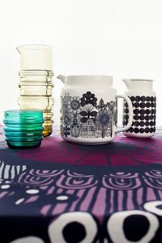 Marimekko, socks rolled down glassware, so cool and wonderfully illustrated jugs to add some fun to your meal times. Marimekko, Scandinavia Design, Toy Kitchen, Pottery Painting, Porcelain Ceramics, Beautiful Interiors, Home Decor Items, Home Collections, Dinnerware