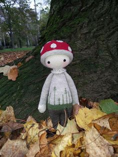 PAUL the toadstool made by Corinna B. / crochet pattern by lalylala
