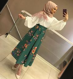 💥💥You will love our combi skirts 75 ET blouse Eid Outfits, Modest Outfits, Skirt Outfits, Islamic Fashion, Muslim Fashion, Modest Fashion, Abaya Fashion, Skirt Fashion, Fashion Dresses