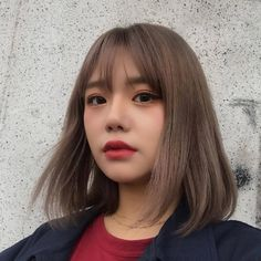 Super hair cuts for round faces plus size double chin short 69 ideas Ulzzang Short Hair, Asian Short Hair, Short Hair With Bangs, Girl Short Hair, Hairstyles With Bangs, Trendy Hairstyles, Short Hair Cuts, Short Hair Styles, Korean Hairstyles