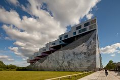 Mountain Dwellings / Bjarke Ingels Group (BIG) + JDS