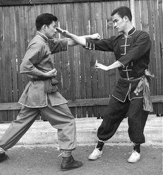 El joven Bruce Lee en la época en la que entrenaba con Shun Legung