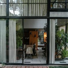 Charles and Ray Eames. Case Study House 8 #6
