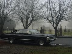 Image about car in Supernatural by sofi palmieri Castiel, Sammy Supernatural, Crowley, Sam Winchester, Winchester Brothers, Jim Morrison, Paranormal, Sir Integra, Thriller