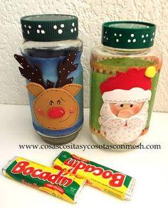 Reciclamos frascos de vidrio y los decoramos con goma eva ,así tendremos lindos dulceros para navidad.DIY
