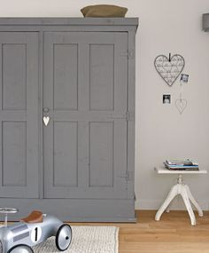 Skipperwood Home Win Award & Grey & Grays for Your Home - Beautiful Interiors & Accessories Painted Wardrobe, Built In Wardrobe, Armoire Wardrobe, Kids Wardrobe, Home Bedroom, Kids Bedroom, Bedroom Decor, Bedrooms, Room Inspiration