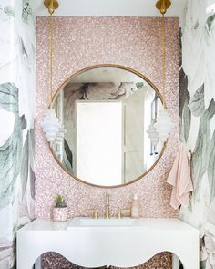 Rustic Bedroom Decor Mirror, mirror on the wall, this powder room designed by tracylynnstudio has it all. : Tableau Small Pendant by Kelly Wearstler. Photography by Ryan Garvin. Salon Interior Design, Bathroom Interior Design, Interior Livingroom, Powder Room Design, Interior Minimalista, Interiores Design, Bathroom Inspiration, Cheap Home Decor, Small Bathroom