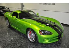 2010 Dodge Viper 2dr SRT1 600hp Click to find out more - http://newmusclecars.org/2010-dodge-viper-2dr-srt1-600hp/