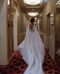 Top 5 Honeymoon Hotels in the World! Top 5 Honeymoon Hotels in the World! Dream Wedding Dresses, Wedding Gowns, Pretty Dresses, Beautiful Dresses, Wedding Bells, Wedding Day, Bella Wedding, Foto Art, Dream Dress