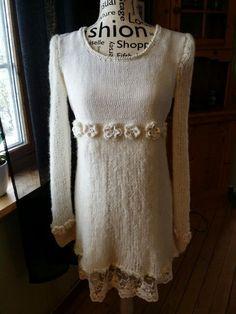Elisabeth.H hobbyside: Tingeling kjole i offwhite/cream farge.