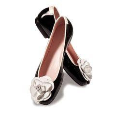 Taryn Rose Flats in Black Patent