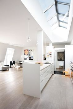 love the huge open plan living/kitchen/dining space.  Would to create a home like this one day