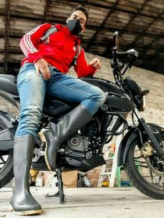 Harley Scrambler, Harley Davidson Sportster 1200, Hd Sportster 1200, Offroader, Old Motorcycles, Moto Bike, Bike Design, Cool Boots, Custom Bikes