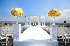 Floral & Decor http://www.maharaniweddings.com/gallery/photo/43713 @bluelotusevents