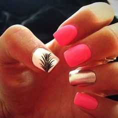 Coming from the United States, nail arts are now flourishing everywhere in Europe. Between appointments or for a relaxing break, you can get nails done Get Nails, Fancy Nails, Love Nails, Pink Nails, Hair And Nails, Silver Nails, Matte Pink, Gold Nail, Matte Nails