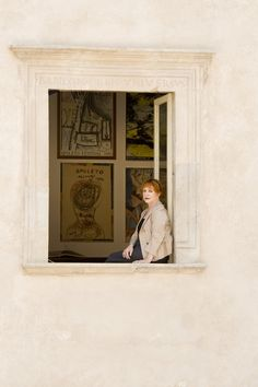 L'attrice Adriana Asti si affaccia alla finestra del primo piano di Casa Menotti Portraits, Painting, Home Decor, Home, Decoration Home, Head Shots, Painting Art, Paintings, Interior Design