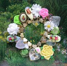 Vintage Gold Tone Heart Charm Bracelet Flowers Cameos Mosaic
