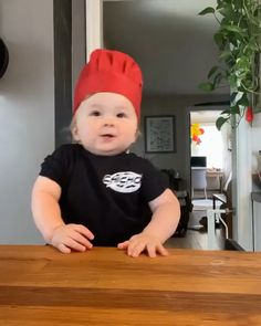 Cute Funny Baby Videos, Cute Funny Babies, Funny Videos For Kids, Funny Cute, Cute Kids, Bebe Video, Baby Cooking, Cooking Chef, Funny Baby Memes
