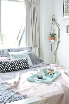 My Attic: Breakfast in Bed with Auping