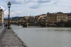 Firenze, passeggiando lungo il fiume
