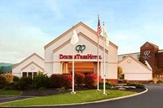 DoubleTree by Hilton Cleveland South Independence (Ohio) Featuring the comfort of the suburbs and the excitement of nearby Cleveland city centre, this hotel is only moments from area points of interest and provides numerous free amenities and services.