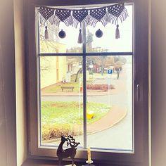 Last night I made 2 macrame garlands. I decorated them with tassels and Christmas baubles. They look very pretty on my bedroom windows. 😁 Quick and easy DIY Christmas decoration🎄 . . #macrame #christmasdecorations #garland #windowdecor #creativehappylife #craftymama #handmadechristmas #kreatywnamama #świętatużtuż #makrama #diychristmas