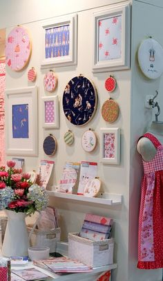 Originally an inspiration for a sewing room, but maybe for a bathroom? Sewing Room Decor, Sewing Rooms, Space Crafts, Home Crafts, Craft Space, Craft Rooms, Framed Fabric, Fabric Art, Quilting Room