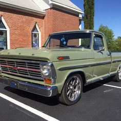 A Brief History Of Ford Trucks – Best Worst Car Insurance Custom Ford Trucks, Classic Ford Trucks, 1969 Ford F100, F100 Truck, Mustang, Ford Ranger, Old Trucks, Dream Cars, Chevy