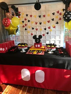 Party Ideas Disney Mickey Mouse Clubhouse 33 Ideas Source by clothes ideas party Mickey Mouse Birthday Decorations, Mickey Mouse Theme Party, Mickey 1st Birthdays, Fiesta Mickey Mouse, Mickey Mouse First Birthday, Mickey Mouse Baby Shower, Mickey Mouse Clubhouse Birthday Party, 1st Boy Birthday, Elmo Party