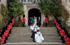 Britain's Princess Eugenie of York and her husband Jack Brooksbank emerge from the West Door of St George's Chapel, Windsor Castle, in Windsor, on October 2018 after their wedding ceremony. Get premium, high resolution news photos at Getty Images Princess Eugenie Jack Brooksbank, Princess Beatrice, Meghan Markle, Adele, Princess Charlotte Photos, Princesa Eugenie, Eugenie Wedding, Eugenie Of York, Elisabeth Ii