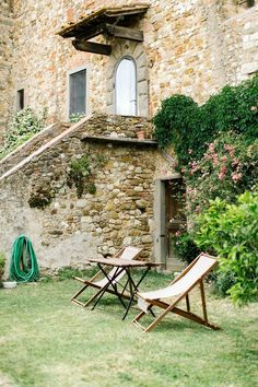 Camille Styles Travel - Tuscany Outdoor Furniture, Outdoor Decor, Tuscany, Sun Lounger, Places To Go, Wanderlust, Travel, Home, Chaise Longue