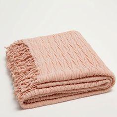 COUVERTURE PLIS ONDULATIONS ROSE - Couvertures - Lit | Zara Home France