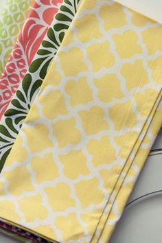 Dinner Napkin in Latticework Butter | Hen House Linens
