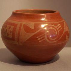 Maria Martinez Native American Design, Native American Pottery, Native American Indians, Native Americans, Native American Jewelry, Southwest Pottery, Southwest Art, Pueblo Pottery, Native Art