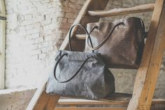 Bag Kathy real leather: brown & grey. For sale @ www.cestsuus.nl