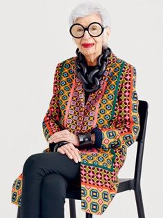 Iris Apfel at the I am so sad to miss this event! If you're in New York on March 21 you must attend so I can live vicariously. Iris Apfel will be interviewed live on stage by Fern Mallis. When I lived in New York I attended the talks with Oscar de la … Estilo Fashion, Look Fashion, Ideias Fashion, Fashion Beauty, Fashion Outfits, Fashion Weeks, Milan Fashion, Fashion Clothes, Looks Street Style