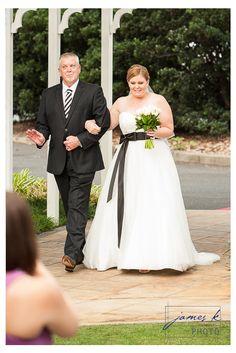 Andy & Jess – April 2013 – Wedding at Brisbane Golf Course, Brisbane, Australia Brisbane Australia, Norfolk, Golf Courses, Wedding Dresses, Blog, Fashion, Moda, Bridal Dresses, Alon Livne Wedding Dresses