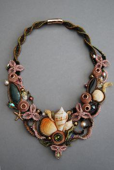 Sea Jewelry, Seashell Jewelry, Jewelry Crafts, Beaded Jewelry, Beaded Necklace, Necklaces, Bead Embroidery Jewelry, Beaded Embroidery, Lesage