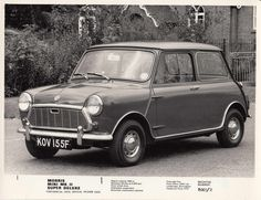 The MkII models were identified by their new grille and bigger tail lamps. The sliding windows and single clock remained Mini Cooper Classic, Classic Mini, Classic Cars, My Dream Car, Dream Cars, Car Reg, Mini Morris, Car Images, Small Cars