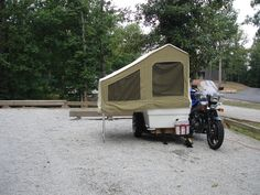 Motorcycle with Sidecar and Camper Trailer Bug Out Trailer, Bike Trailer, Camper Trailers, Motorcycle Campers, Motorcycle Trailer, Motorcycle Adventure, Camping Cart, Camping Glamping, Cool Rvs
