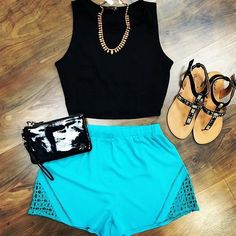 Love the skirt color