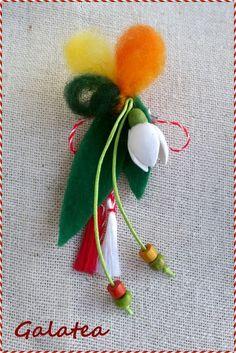 Мартеничка за закичване от филц, дървени мъниста и полимерна глина. За повече бройки - отстъпка! Hand Embroidery Flowers, Folk Embroidery, Felt Crafts, Diy And Crafts, Japanese Ornaments, Baba Marta, Box Frame Art, Yarn Dolls, Wool Needle Felting