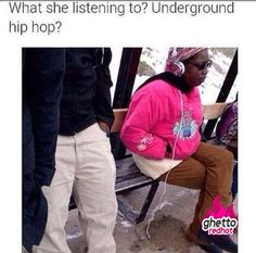 What Is She Listening To? Or are those ghetto earmuffs lol Best Funny Pictures, Funny Images, Funny Photos, Funny As Hell, The Funny, Clean Memes, Lol, Have A Laugh, Funny