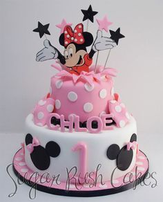 A Minnie Mouse birthday cake! Minni Mouse Cake, Bolo Da Minnie Mouse, Mickey And Minnie Cake, Minnie Mouse Birthday Cakes, Birthday Cake Girls, 2nd Birthday, Fancy Cakes, Cute Cakes, Pastel Mickey