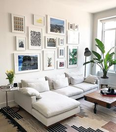 Genius Small Living Room Decor Ideas And Remodel for Your First Apartment living Home Living Room, Apartment Living, Interior Design Living Room, Living Room Designs, Living Room Decor, Living Spaces, Gallery Wall Living Room Couch, Apartment Ideas, Apartment Design