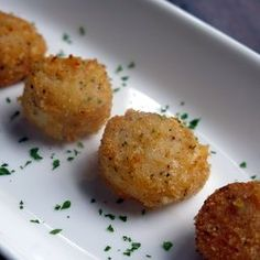 Parmesan Crusted Broiled Scallops - make low carb by using almond flour instead of breadcrumbs