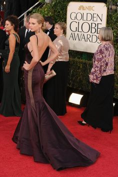 Taylor Swift in DKNY at the Golden Globes 2013