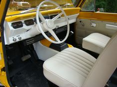 Wow, love this interior!! 1973 International Scout II