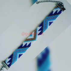 Fotoğraf açıklaması yok. Loom Bracelet Patterns, Beaded Necklace Patterns, Crochet Beaded Bracelets, Bead Loom Bracelets, Bracelet Crafts, Bead Loom Patterns, Friendship Bracelet Patterns, Beading Patterns, Bead Crochet